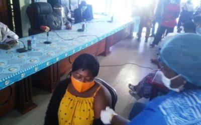 Lutte contre le Covid-19: Le personnel du Minfopra reçoit son vaccin
